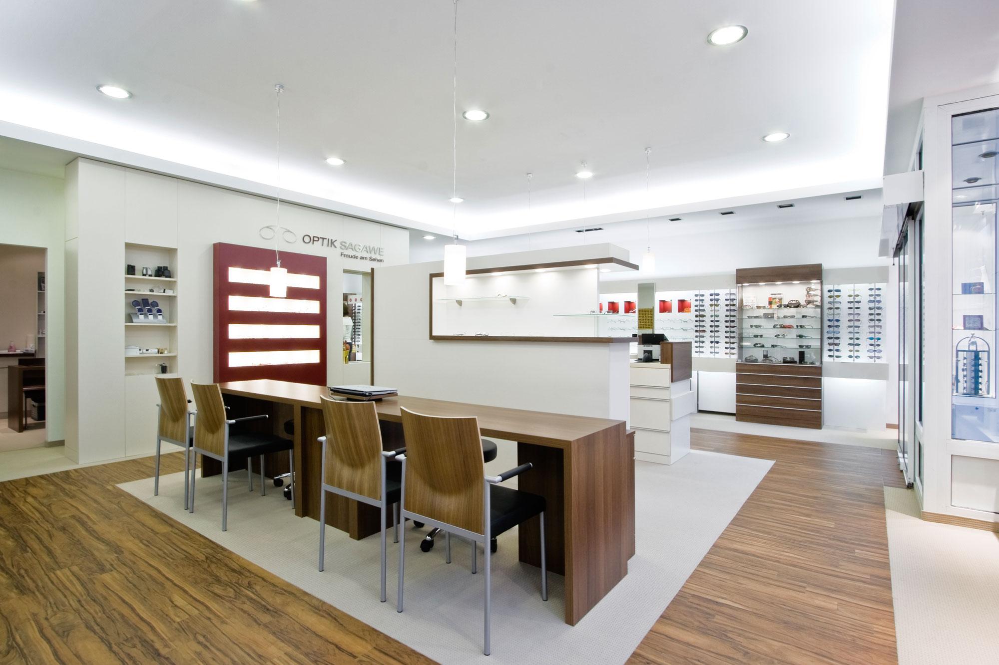 Unsere Geschäft von Optik Sagawe ist das Zeiss Vision Center in Reutershagen in der Ernst-Thälmann-Strasse 5