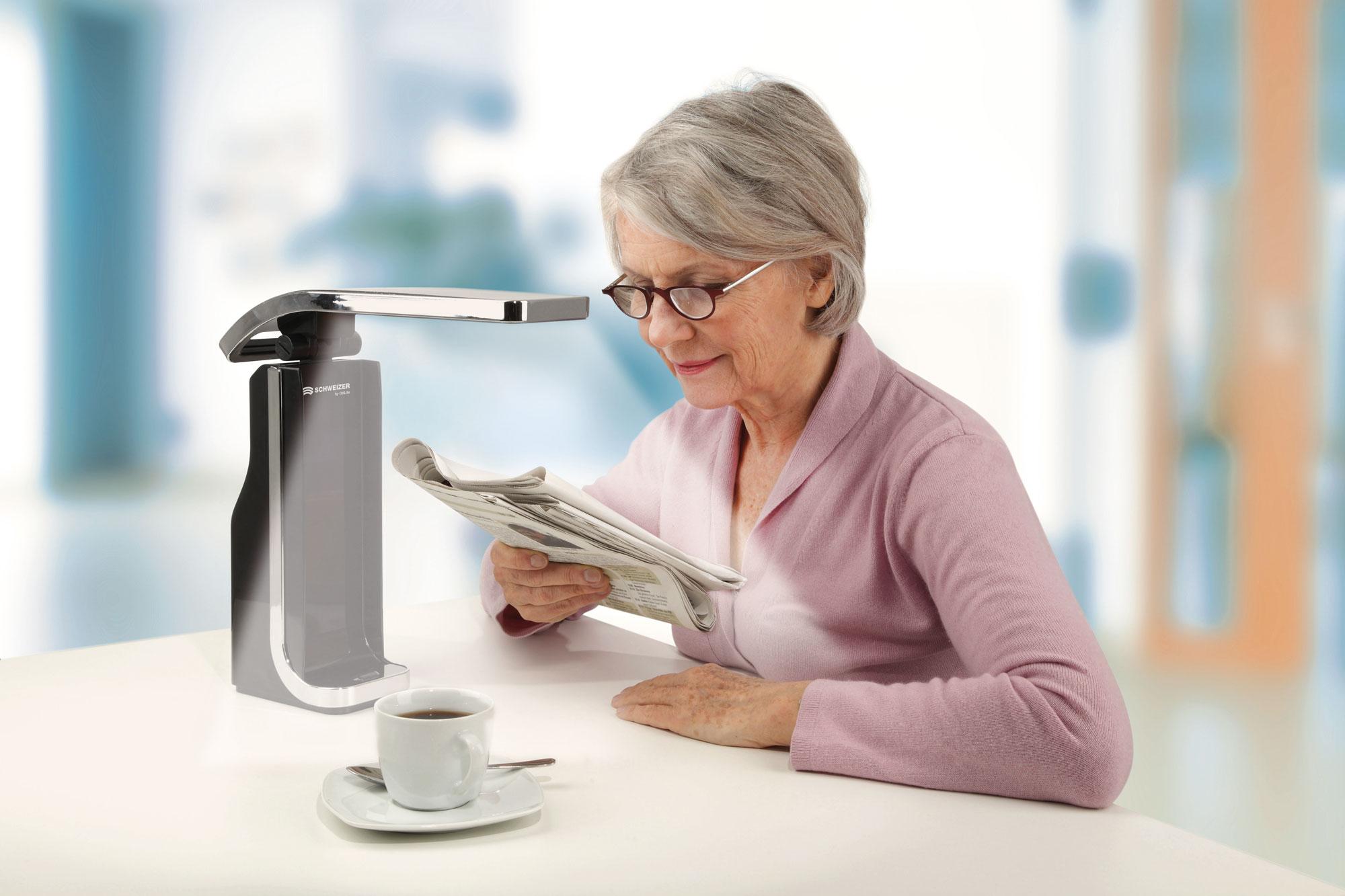 Low Vision LED Lampe kombiniert mit einer Lupenbrille gibt es bei Optik Sagawe in verschiedenen Ausführungen.
