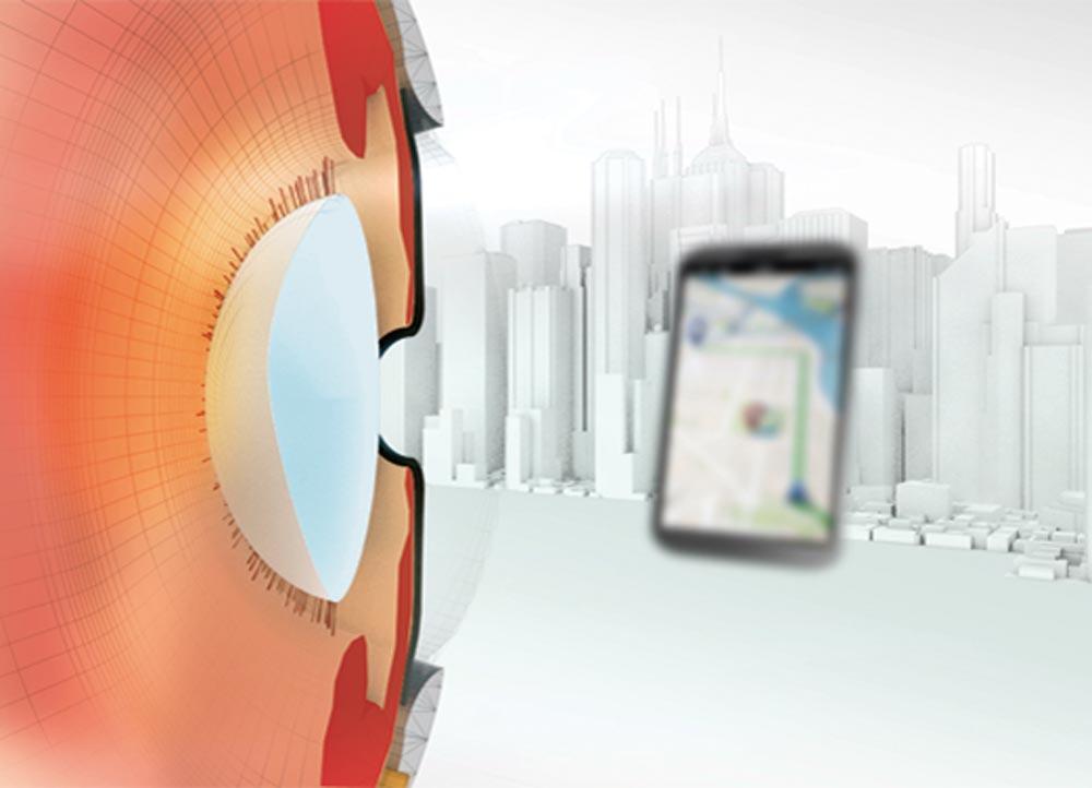 Digitaler Sehstress – die neue Volksbeschwerde. Blick auf ein Smartphone nach Ermüdung der Augen