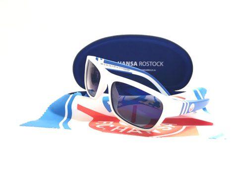 Die offizielle F.C. Hansa Rostock Sonnenbrille - weiss-blau von Optik Sagawe im Komplett-Bundle. Für Kids, Kinder und schmale Köpfe.