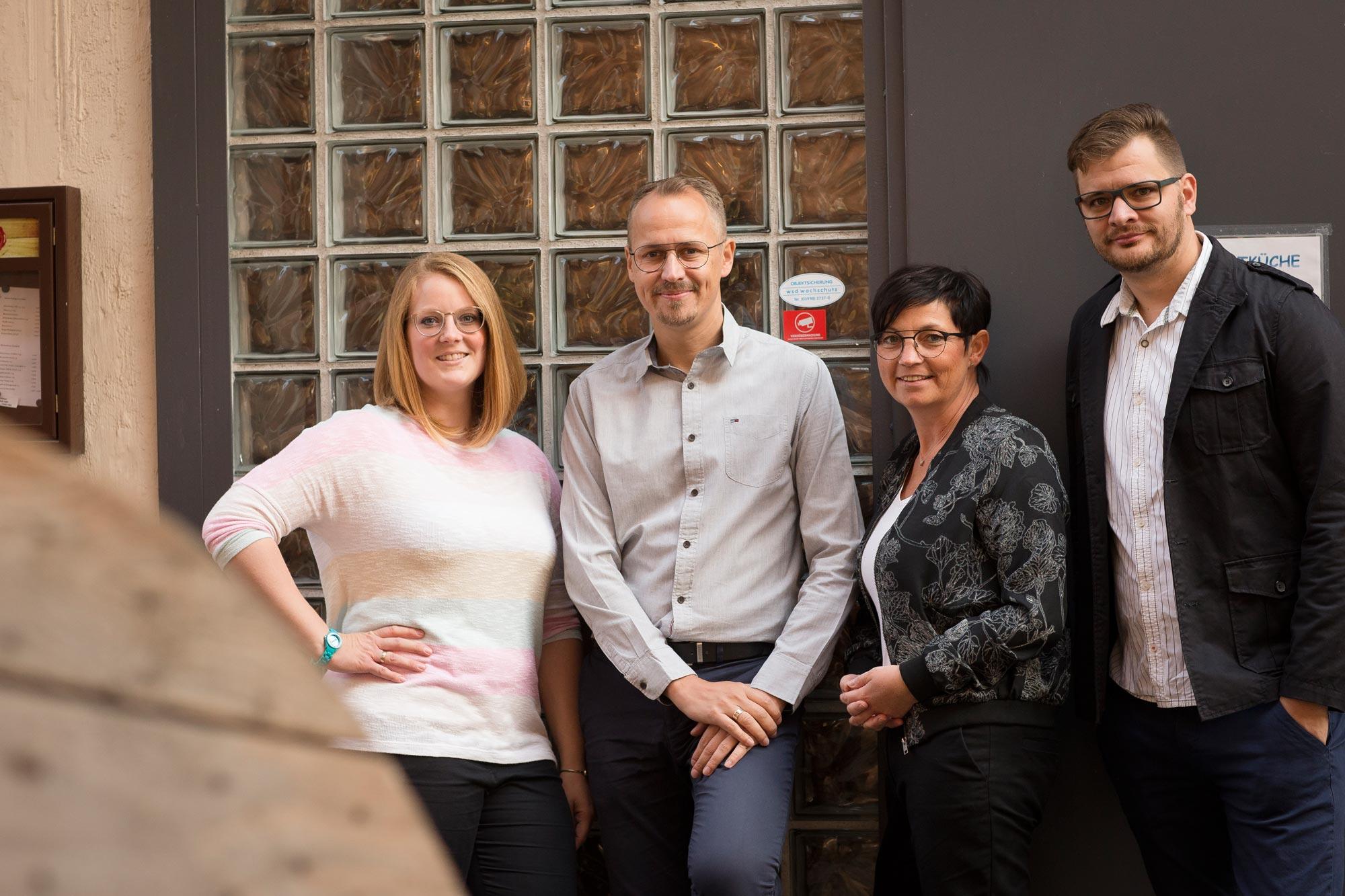 Michaela Greve, Matthias Sagawe, Sibylle Weinaug und Andreas Techow von Optik Sagawe in Rostock haben Freude am Sehen