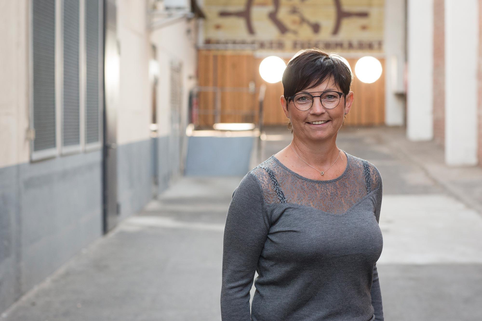 Sibylle Weinaug ist Augenoptikermeisterin bei Optik Sagawe im Doberaner Hof