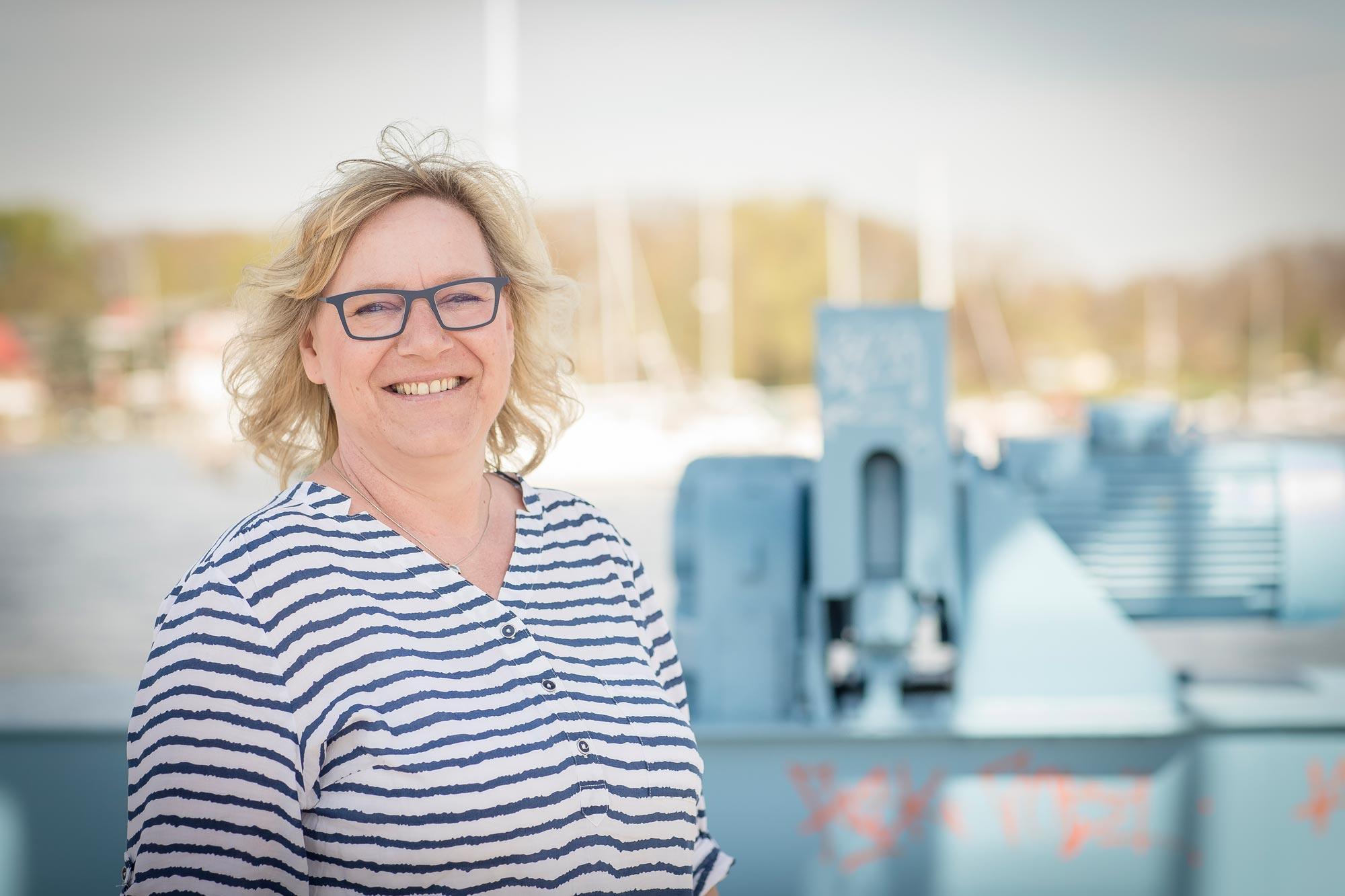 Katrin Bartusek ist Augenoptikerin bei Optik Sagawe in Reutershagen