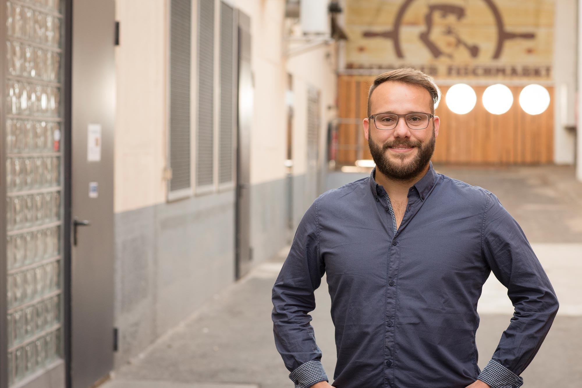 Marten Mense ist Augenoptiker bei Optik Sagawe im Rostocker Hof