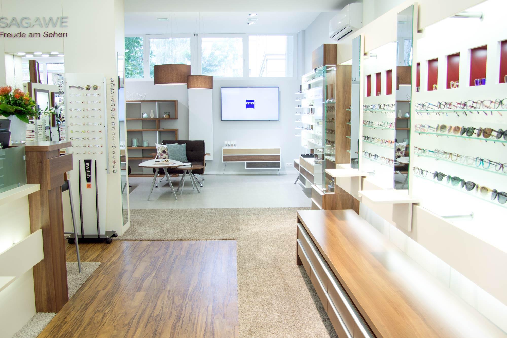 Optik Sagawe in Reutershagen ist das Zeiss Vision Center in der Ernst-Thälmann-Strasse von Rostock mit einer coolen Auswahl von Brillen