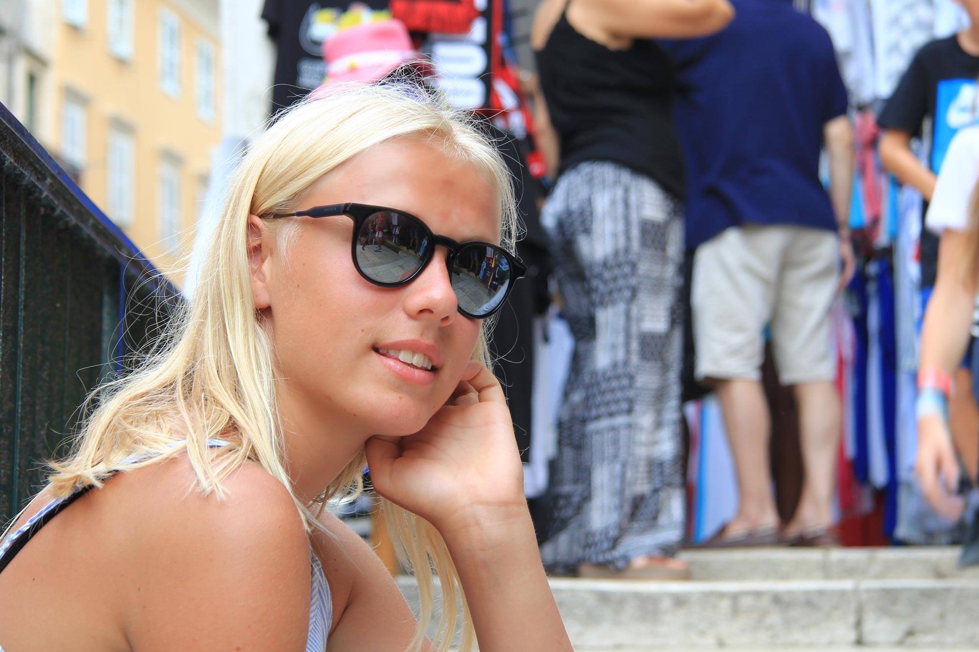 Tommy Hilfiger Sonnenbrille für Jugendliche von Optik Sagawe aus Rostock